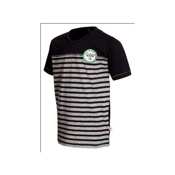 Modisches T-Shirt für coole Jungs