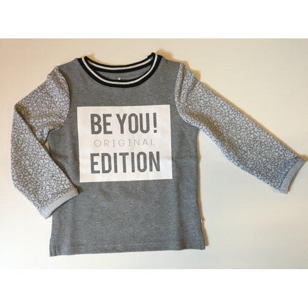 Cool grau-weiß Sweatshirt - NITLAHOUND K LS SWEAT 515 - von Name it