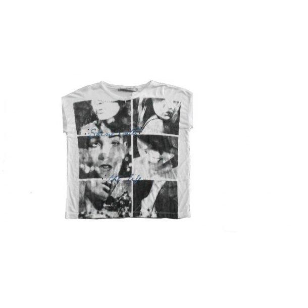 T-Shirt in weiss mit klassisch schwarz-weiss Druck