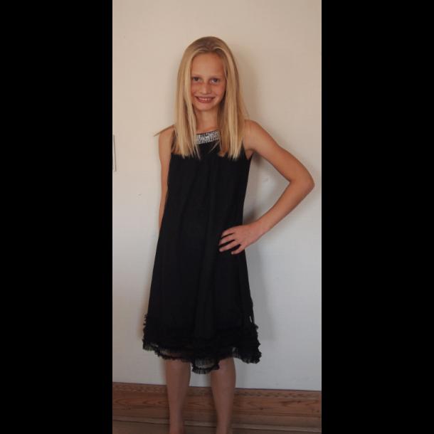 Tüll Kleid in Schwarz mit silberne Pailletten