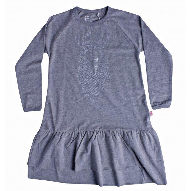 Danefae - Frio Dress - schönes Kleid in grau mit dem Wikingemädchen FREJA